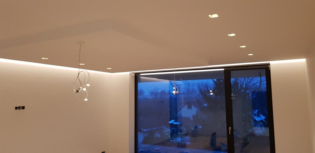 Decken mit Lichtsystem